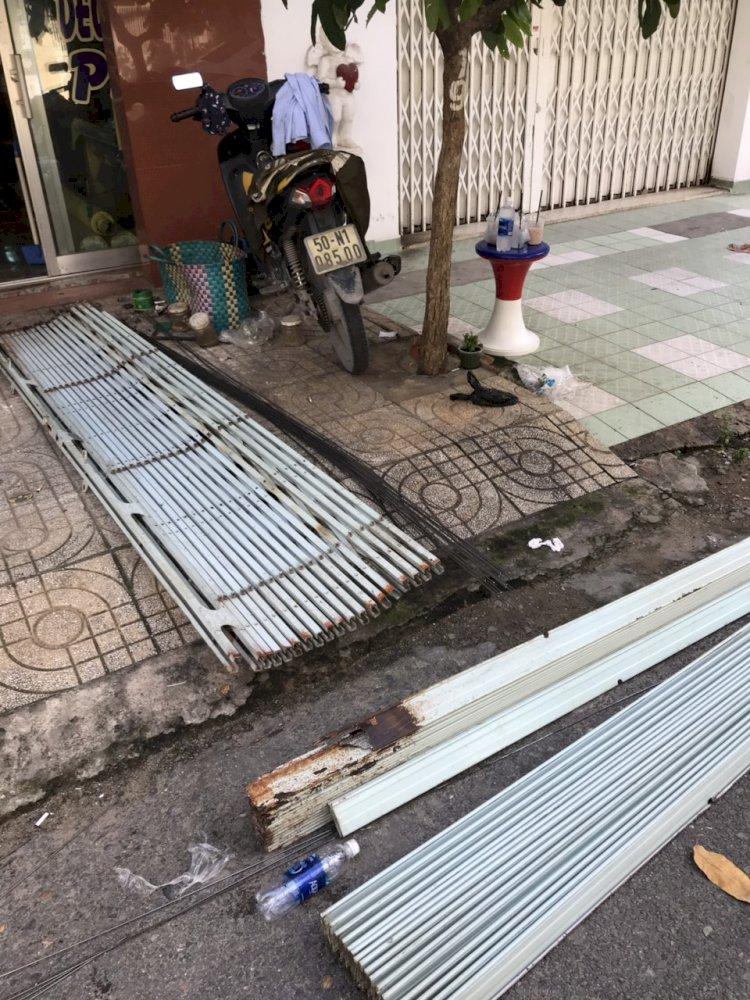 Sửa cửa sắt tại nhà TPHCM uy tín và có bảo hành